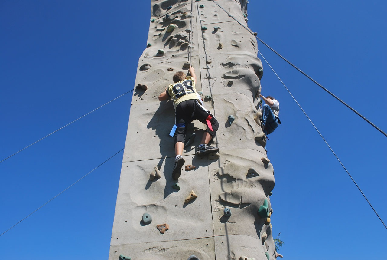 Climbing Walls for Outdoor Fitness Fun