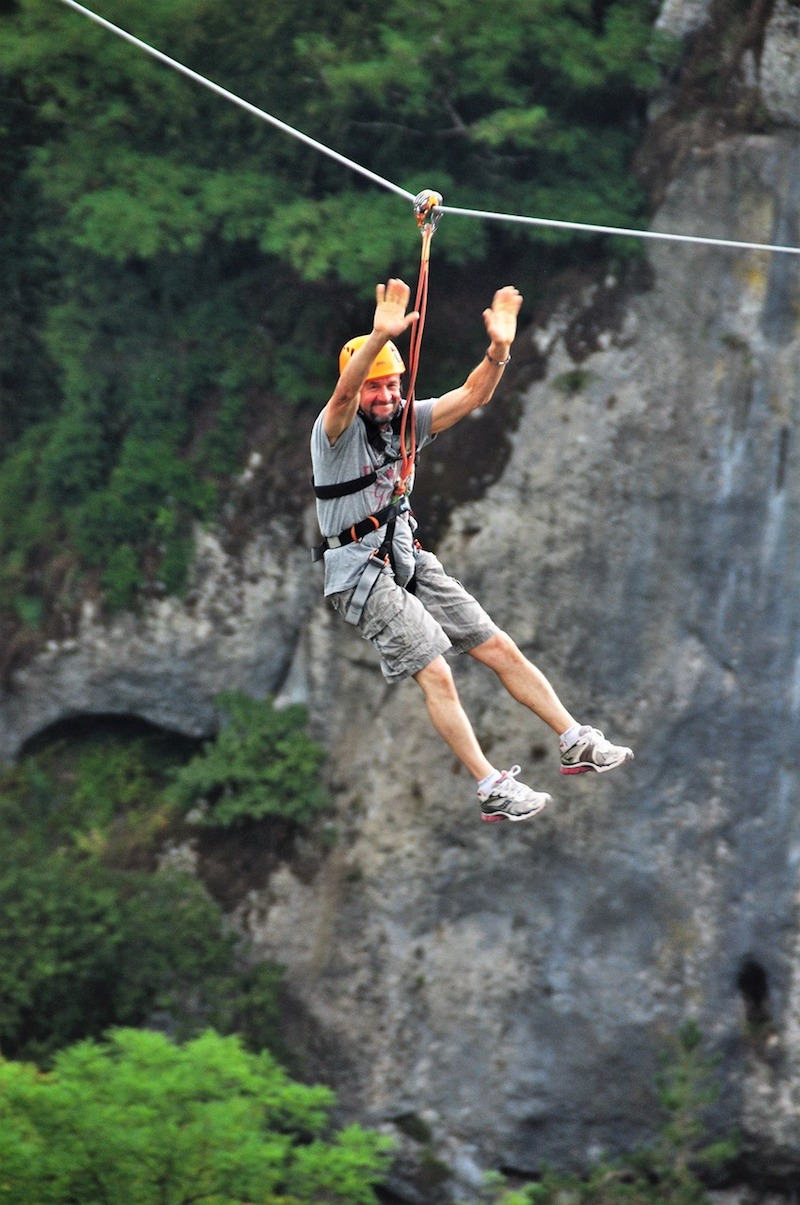 ziplining-outdoor-fitness-lifestyle